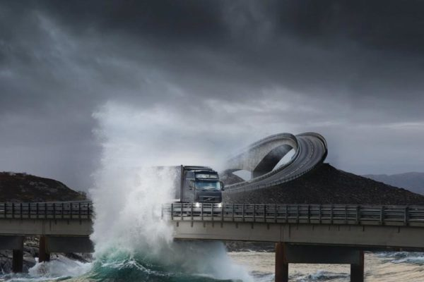 waves_trucks_volvo_bridges_norway_vehicles_atlanterhavsveien_1600x1200_wallpaper_Wallpaper_1440x900_www.wallpaperswa.com.jpg.CROP.article920-large.wallpaperswa.com